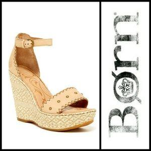 BORN Valari Wedge Sandal in Cashmere 7M